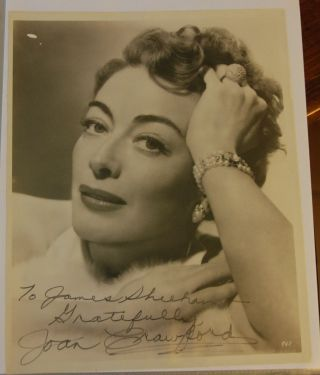 SIGNED PHOTOGRAPH. Joan CRAWFORD, Texas born actress