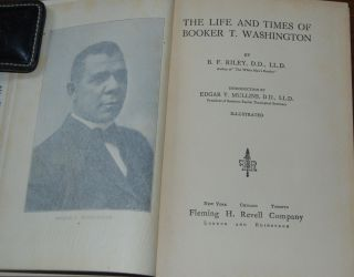 THE LIFE AND TIMES OF BOOKER T WASHINGTON; introduction by Edgar Y. Mullins, illustrated